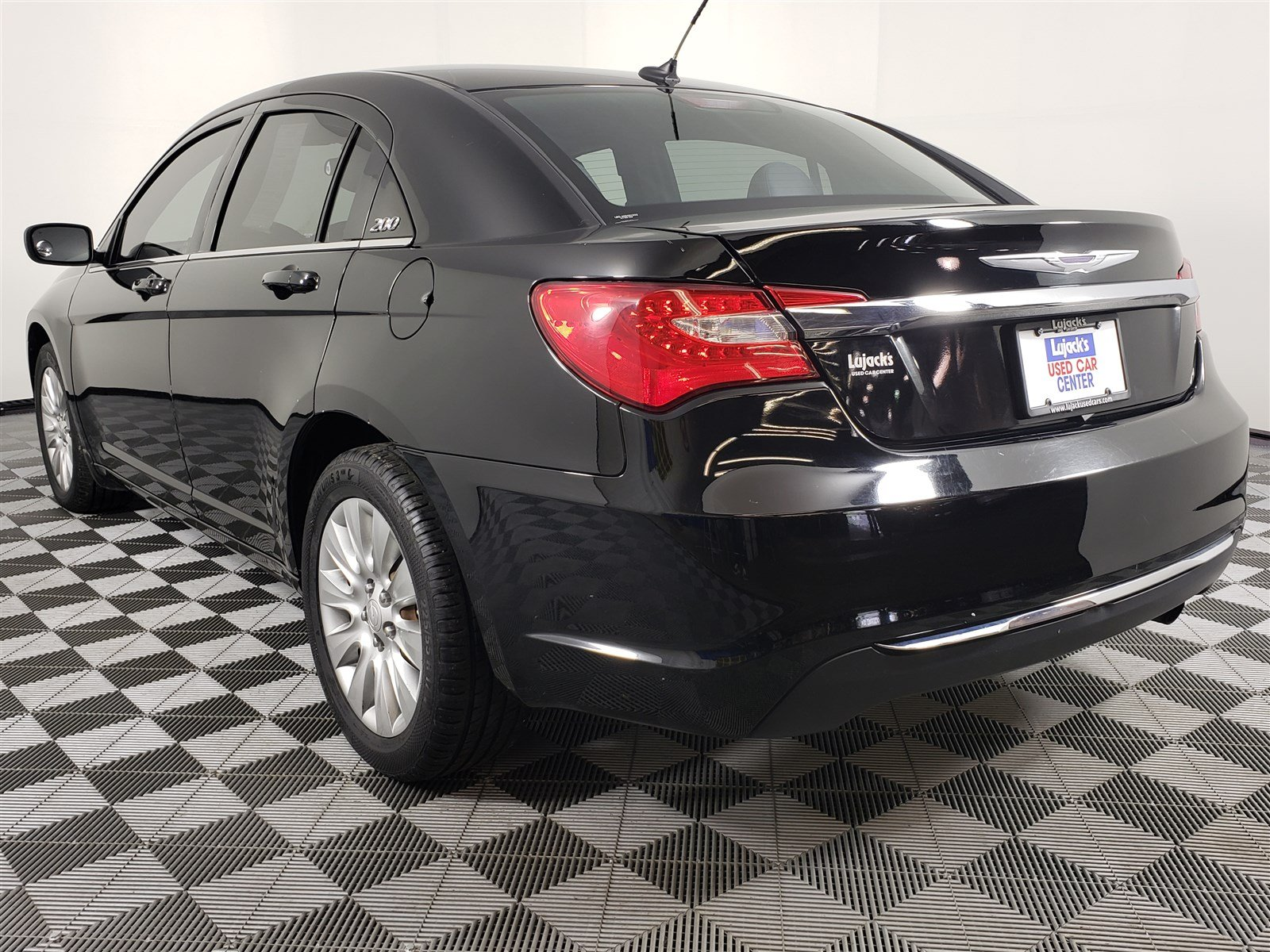 Pre-Owned 2014 Chrysler 200 LX