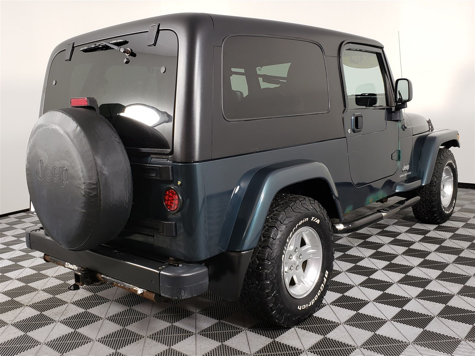 Pre-Owned 2006 Jeep Wrangler Unlimited LWB