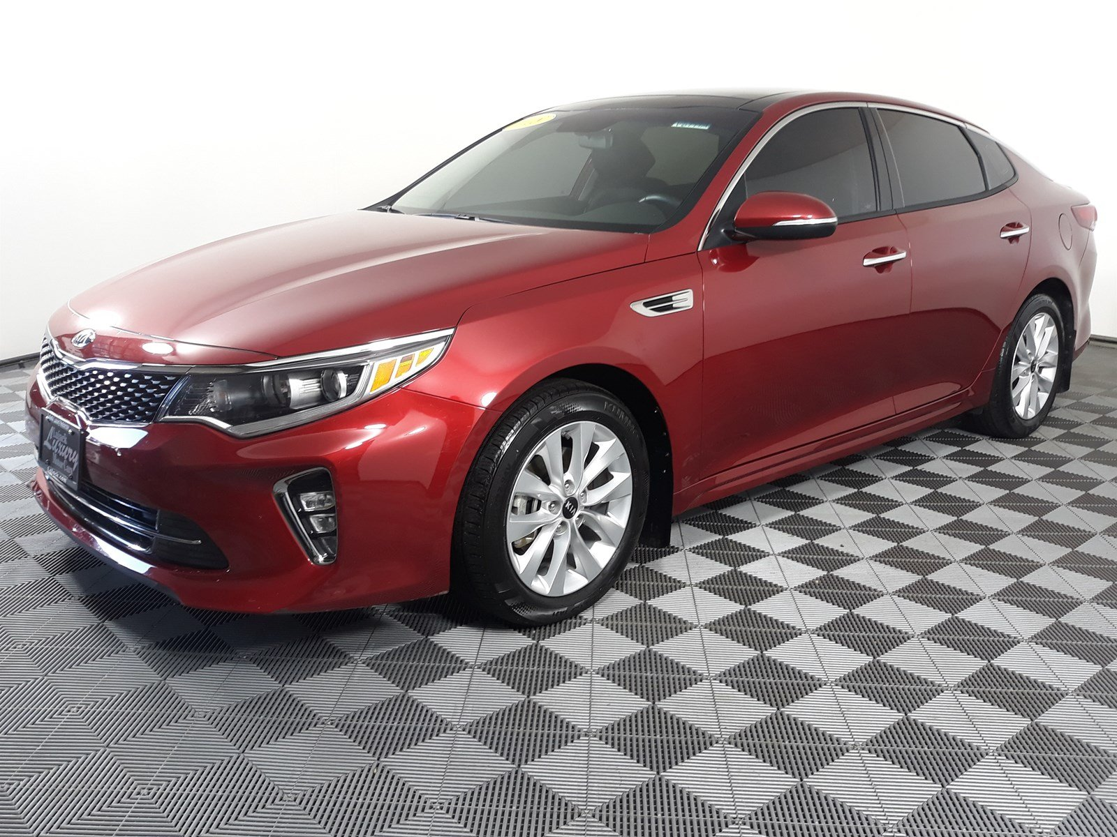 Pre-Owned 2018 Kia Optima S